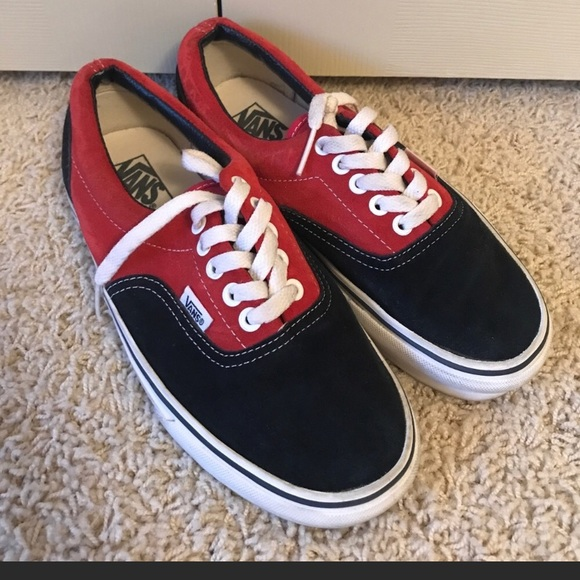 cc543c3e3901b3 Vans like new red and black sneakers